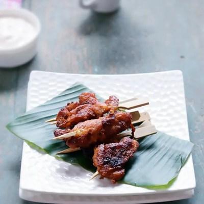 Chicken Satay with Yogurt Sauce