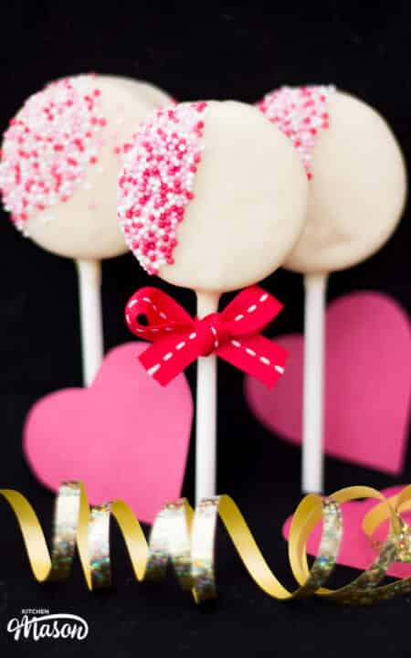 Valentines Day Oreo Pops | Easy | Chocolate | Homemade | Lollipops