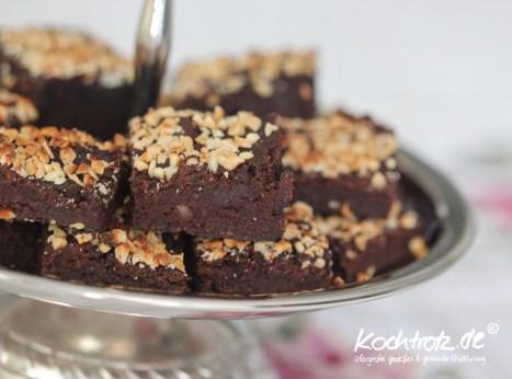 black-bean-brownies-glutenfrei-vegan-low-carb-1-8