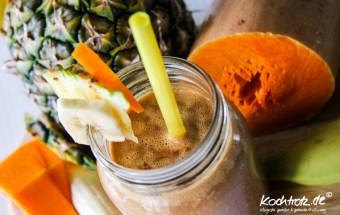 keimling-food-blog-award-2014-kochtrotz-kreationen-kuerbis-rucola-orientalische-Kuerbis-ananas-bananen-makao-smoothie-1-3