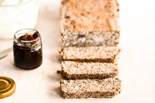 life-changing-bread-low-carb-keine-flocken-glutenfrei-vegan-variables-rezept-kokosmehl-1-6