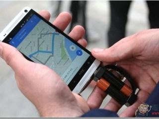 出門在外手機沒電怎麼辦? 2顆3號電池搭配《Nipper》救助你