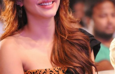 shrutihassan-hot-stills (9)