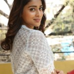 Actress Shriya (91)