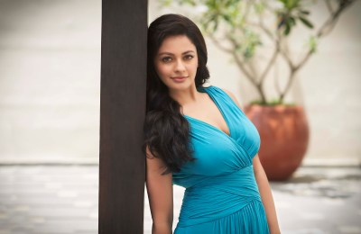 pooja-kumar-latest-stills (2)