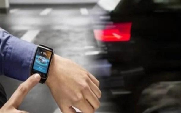 BMW'nin Akıllı Saati İle Park Derdi Ortadan Kalkıyor