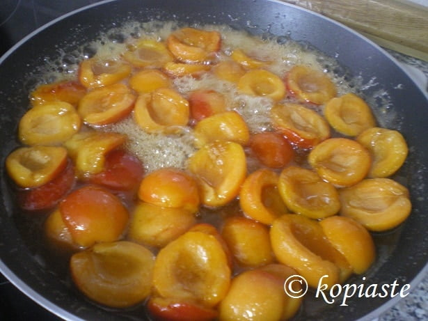 Caramelized apricots 2