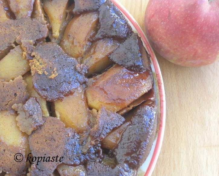 Petimezi Apple Cake