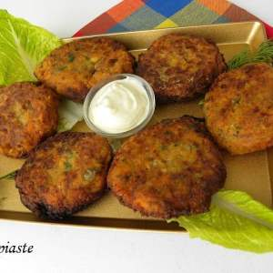 Vegetable Fritters with Feta and Yoghurt Dip