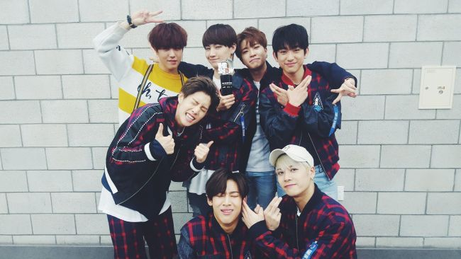 Image: GOT7 wins 5th trophy for Fly / GOT7's Facebook