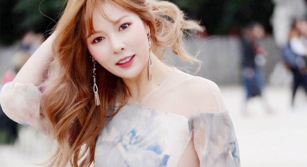 Hyuna Spotted At Paris Fashion Week Looking Stunning ...