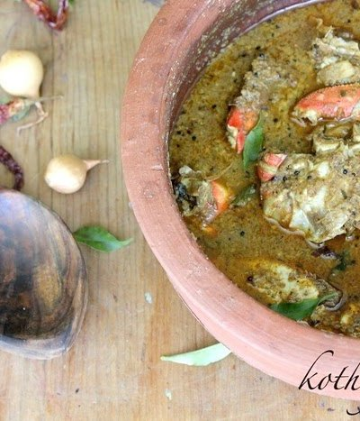 Nadan Njandu Varutharacha Curry Recipe | Spicy Crab Curry with Roasted Coconut