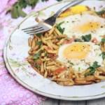 Sali Par Eedu-Eggs on Potato-Straws  kothiyavunu.com