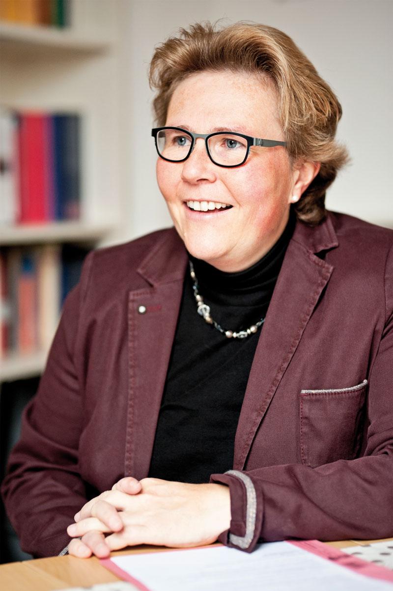Für Trauerrednerin Stephanie Lichters steht die Person des Verstorbenen im Mittelpunkt