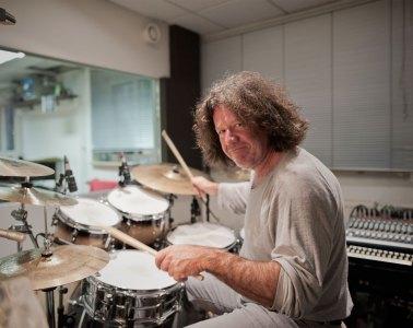 Andy Pilger, Schlagzeug