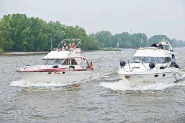 Yacht, Wasser