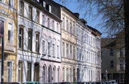 Krefelder Haus, Häuser