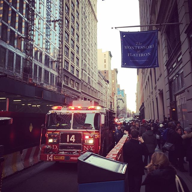 Fire, fire, fire. This time for real, smelled the smoke #flatironisburning