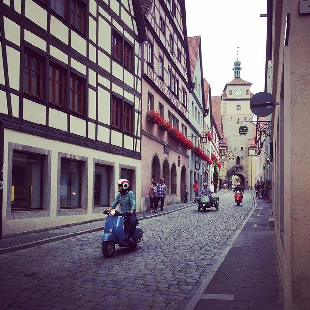 Vespa day in Rothenburg 🛵 🛵 🛵 #Vespa #rothenburgobdertauber