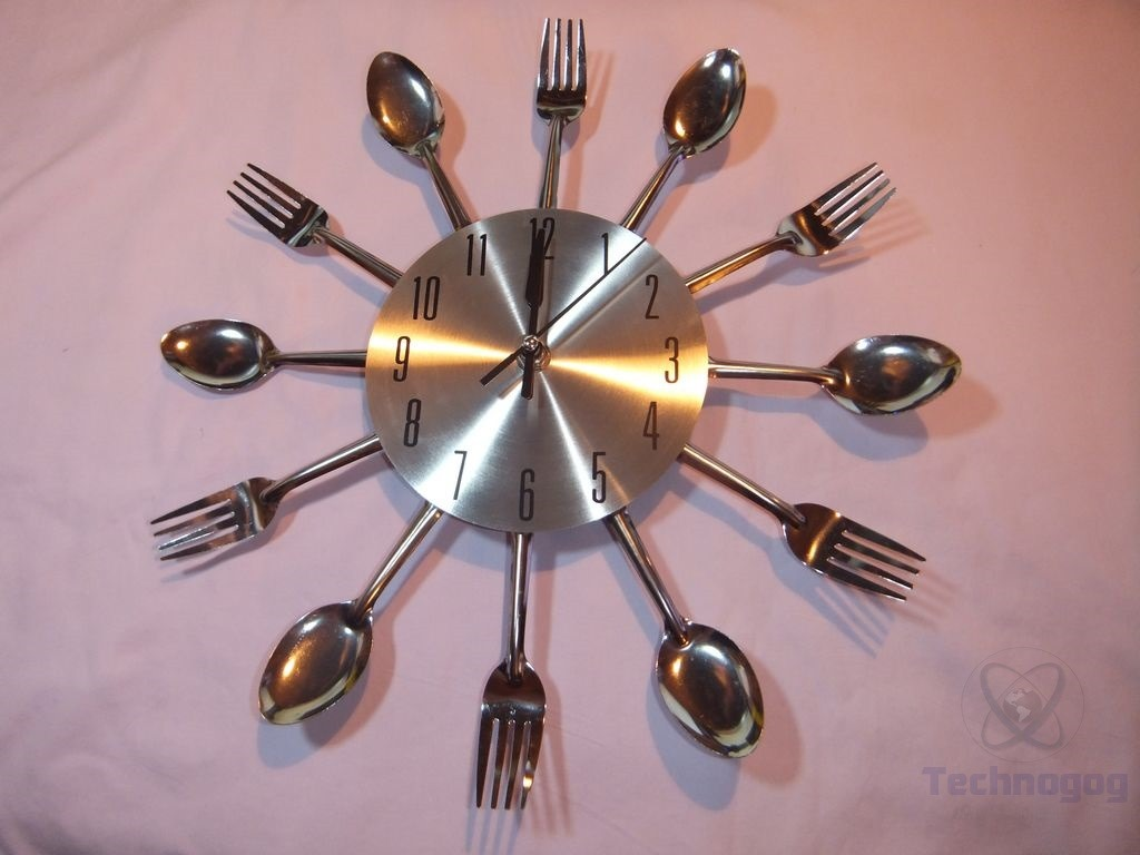 Frantic Minute A Little Over A Week Now Andit Review Ohuhu Cutlery Kitchen Fork Knife Wall Clock Kristofer Clock Has A Knife Fork Just Astraight Second Been Using It Hour Hands furniture Wall Clock Just Hands