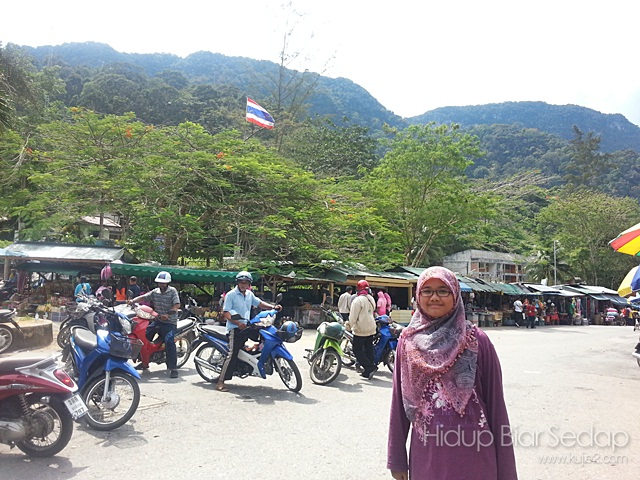 pengankutan awam di sempadan malaysia thailand