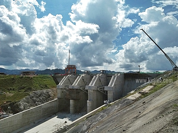 empangan hidroelektrik hulu terengganuempangan kenyir 2-1