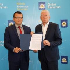Rusza rozbudowa Szkoły Podstawowej nr 2 w Słupnie. Nowy budynek dydaktyczny ma powstać w 16 miesięcy