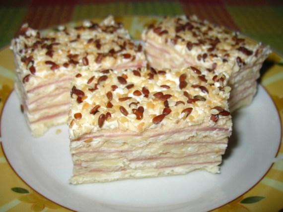 14 IMG 7444 570x428 Slana torta od oblatni sa krem sirom