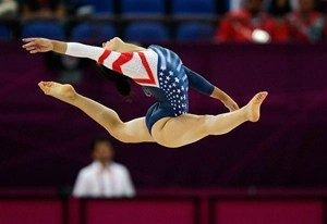 aly-raisman-floor-routine