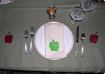 apple_tablecloth_hp.png