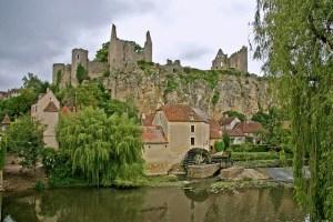 Angle sur l'anglin, l'un des  plus beaux villages de France