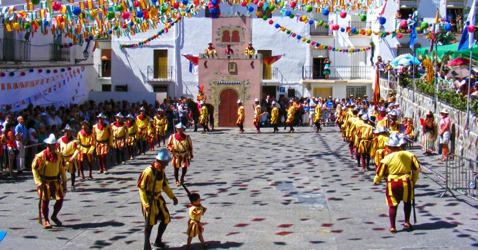 Válor - Fiestas Patronales de Moros y Cristianos en honor al Santo Cristo de la Yedra