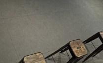 Keraaminenlaatta_keraaminen_kuivapuristelaatta_inalco_berna_harmaa_laattasuora_lattialaatta