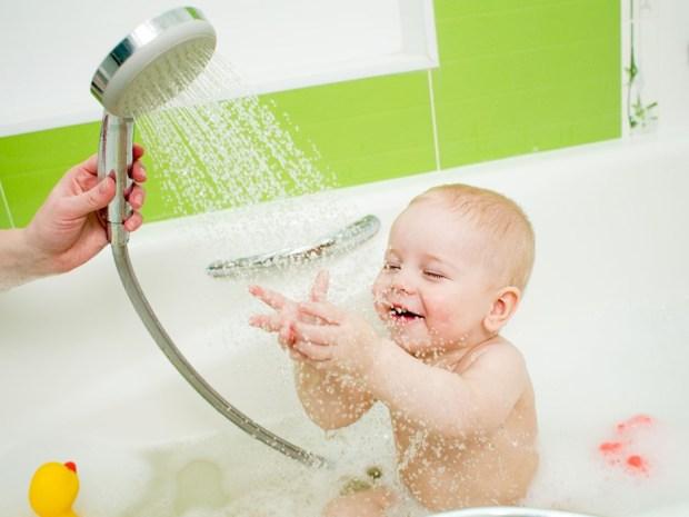 Regaderas De Baño Para Ninos:ventajas de bañar a tu bebé en regadera