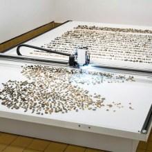 Une machine artistique qui trie des cailloux par age