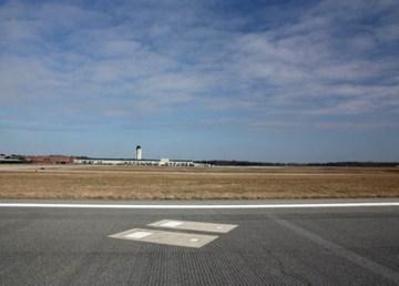Tumbas pista aeropuerto Savannah 1