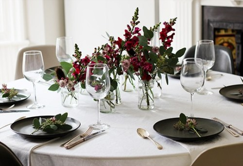 Weekend links #1 | La Tavola di Natale | Christmas Table Settings | via: A Quite Style | Selected by La Chaise Bleue (lachaisebleue.com)