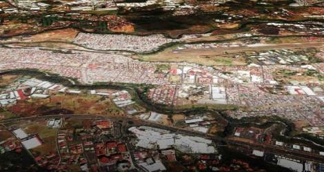 la ciudad paralela periferia urbana gam san jose espacio publico escazu