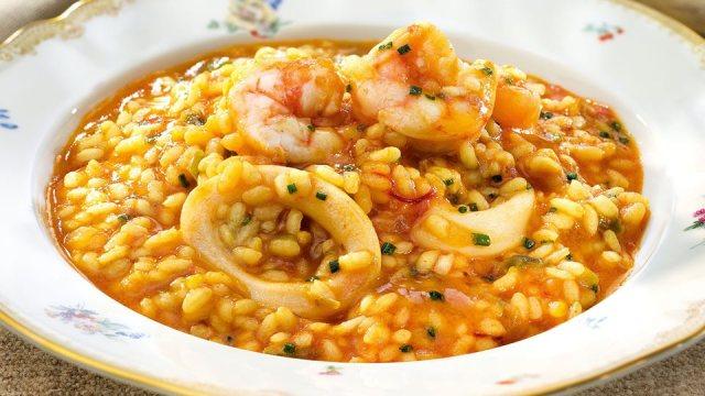 arroz meloso con calamares y gambas