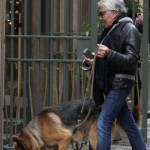 Roberto Cavalli con la fidanzata Lina Nilson e i cani03