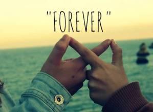 Lui ti ama? 8 gesti che significativi per capirlo