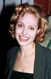 Angelina Jolie, com'era e com'è. L'attrice compie 40 anni FOTO