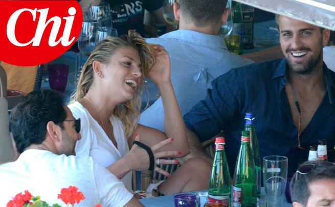 Emma Marrone e Fabio Borriello, vacanza insieme a Capri FOTO