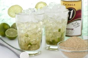 Caipirinha, come preparare il cocktail: VIDEO tutorial