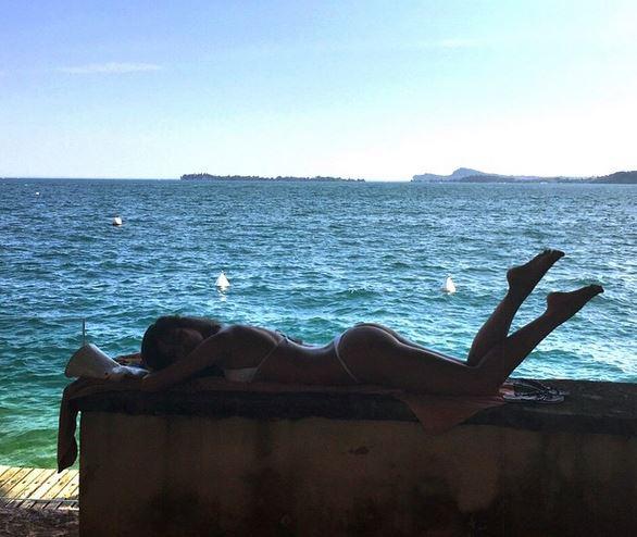 Irina Shayk versione sirenetta al mare: FOTO su Instagram