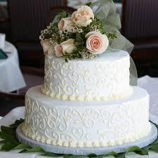 Torta di nozze divisa in 2: sposi non sapevano scegliere FOTO