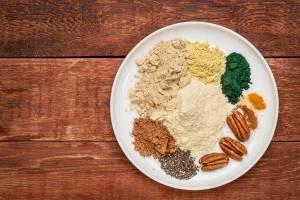 Curarsi con il cibo: cacao per il cuore, curry contro Alzheimer