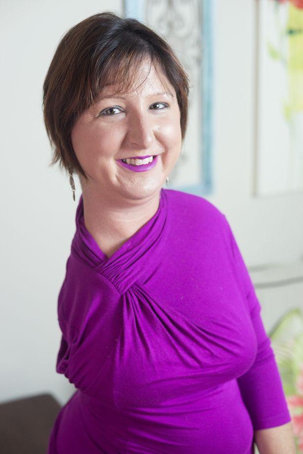 Ashley Kurpiel, la donna statua: colpa della fibrodisplasia