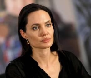 "Angelina Jolie, parla ex guardia del corpo: ""Aveva paura di..."""