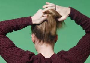 Capelli, ecco lo chignon per lui: l'ultima moda maschile VIDEO